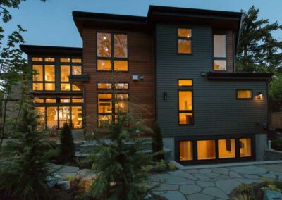 A Single-Family Contemporary Custom Home in Clyde Hill, WA